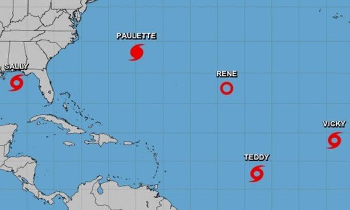Vị trí của 5 cơn bão và áp thấp trên Đại Tây Dương
