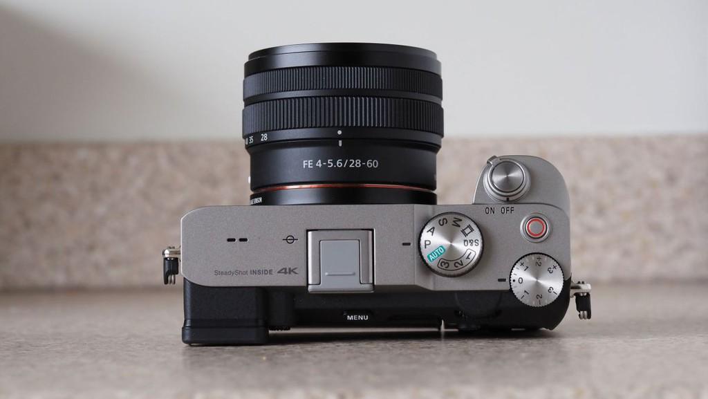 Sony A7C: Máy ảnh mirrorless full-frame nhỏ nhất và nhẹ nhất thế giới, giá 1.799 USD ảnh 6