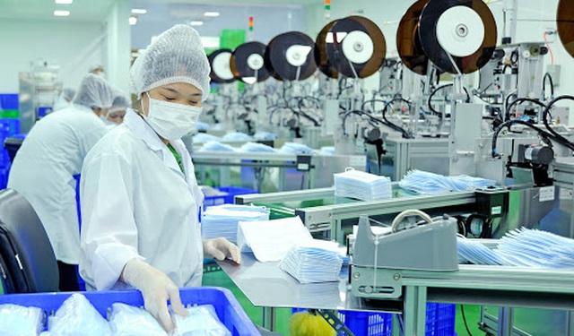 Trong thời kỳ diễn ra đại dịch Covid-19, Tổng cục Tiêu chuẩn Đo lường Chất lượng đã mở toàn bộ kho dữ liệu về tiêu chuẩn trong các lĩnh vực sản xuất thiết bị y tế, khẩu trang… cho các doanh nghiệp Việt Nam sử dụng. Nguồn: Dantri