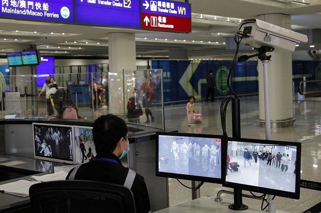 Kiểm tra y tế tại các sân bay.