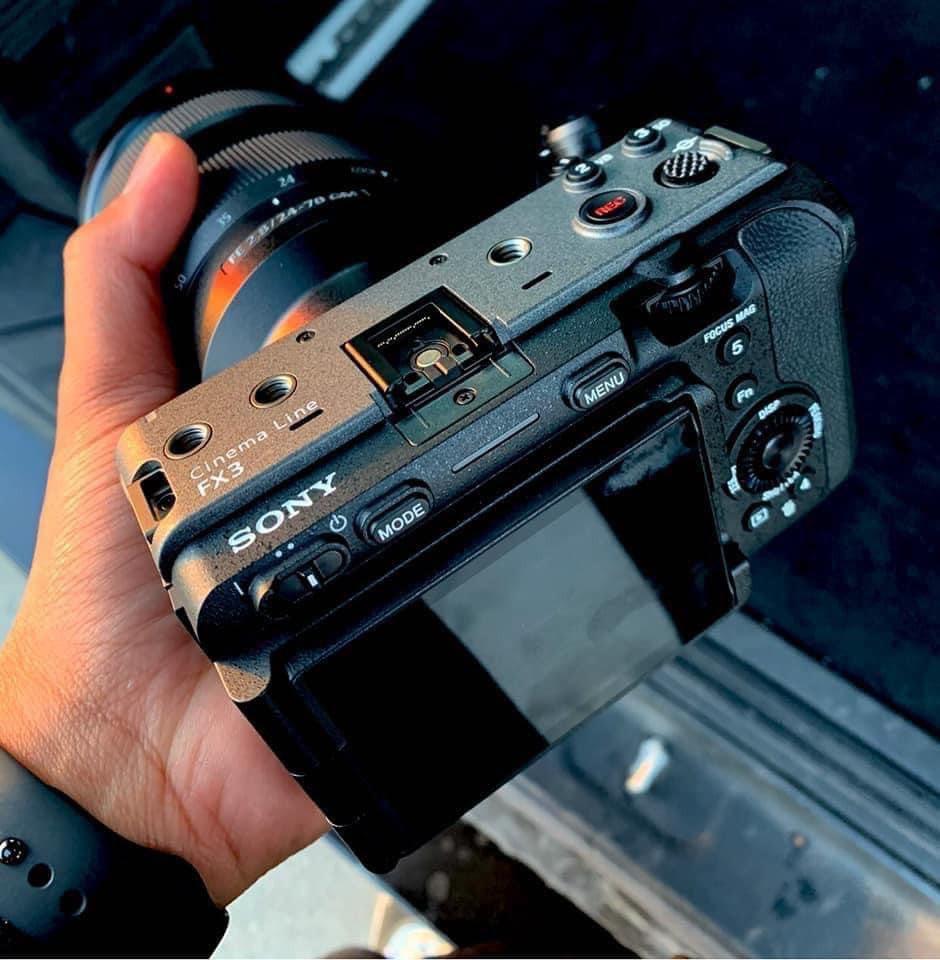 Rò rỉ camera quay phim chuyên dụng Sony FX3: video 4K 120p với thân máy nhỏ gọn ảnh 2