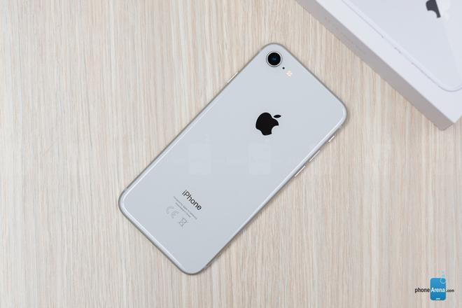 iphone se 2020 vua ra mat co gi khac so voi iphone 8? hinh anh 4
