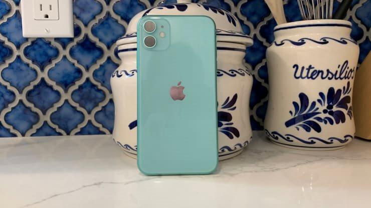 Nên mua iPhone nào cho phù hợp tình hình hiện nay?