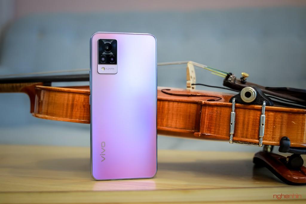 Cùng Qinie Violin khui hộp và trải nghiệm nhanh vivo V21 5G  ảnh 1