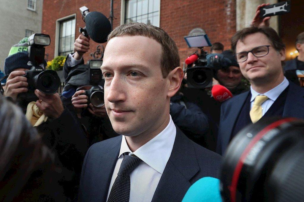 Facebook, Google: Chúng tôi phải lớn để đánh bại Trung Quốc