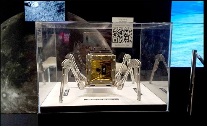 Xe tự hành Mặt Trăng của Spacebit được trưng bày tại sự kiện New Scienceist Live ở London