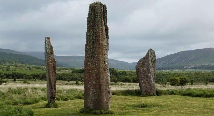 Arran là hòn đảo xinh đẹp, thưa dân của xứ Scotland, được mệnh danh là