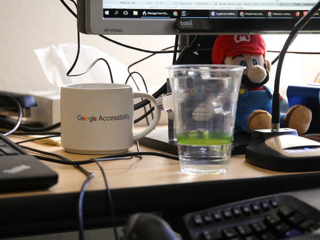 Không thể gõ phím vì bệnh hiểm nghèo, anh kĩ sư Google tự chế phần mềm nhận diện giọng nói, chỉ cần ra lệnh là máy tính tự viết code thay mình - Ảnh 4.