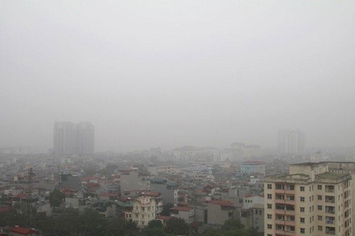 Người dân nên thường xuyên theo dõi tình hình chất lượng không khí trên các phương tiện thông tin truyền thông.