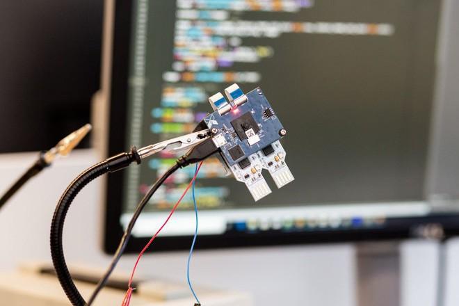 Camera AI chạy hoàn toàn bằng năng lượng mặt trời