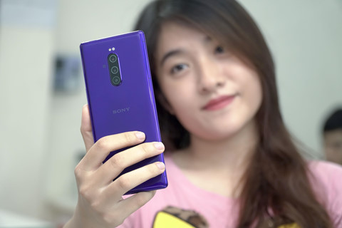 Nhung mau smartphone thu vi nhung kho mua o Viet Nam hinh anh 1