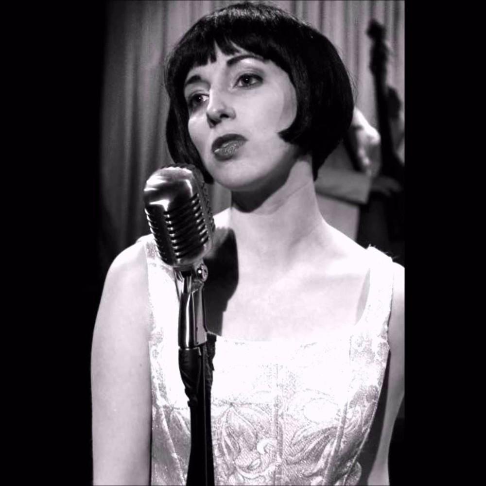 Nữ ca sĩ nhạc Jazz Keely Smith mang lại cảm giác hoài cổ với album You're Breaking My Heart  ảnh 2
