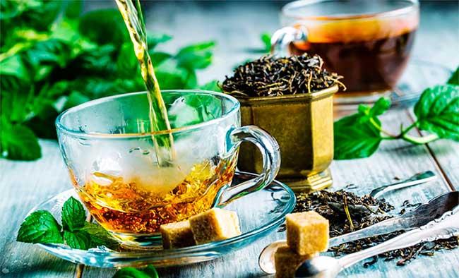 Nếu bạn trằn trọc suốt đêm, thì hãy thử thư giãn với một tách trà trước khi đi ngủ.