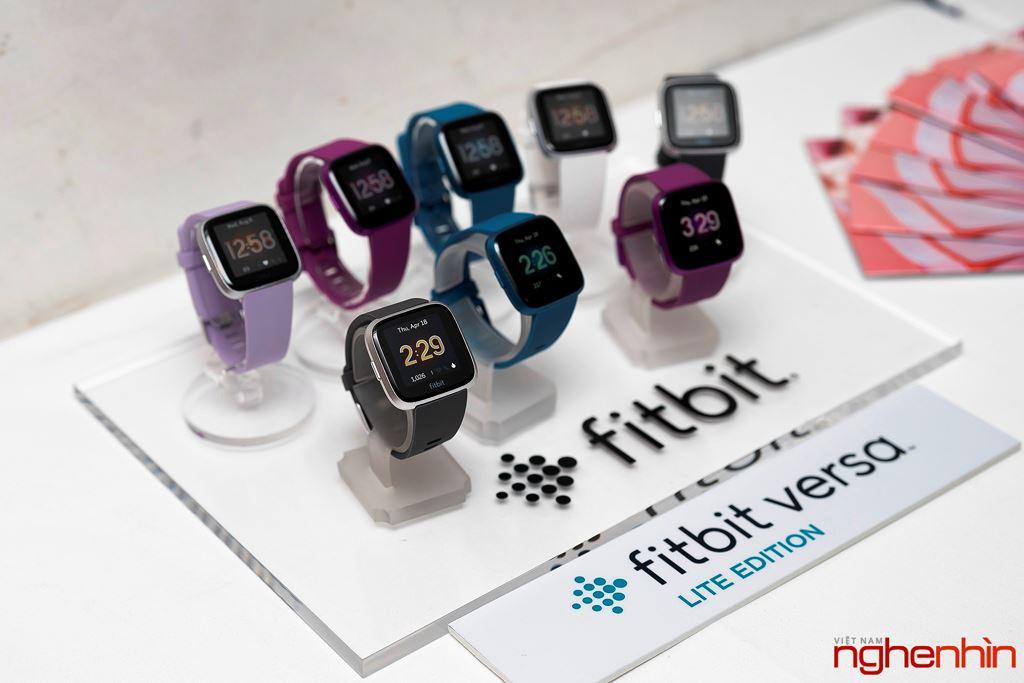 Fitbit ra mắt Versa Lite Edition tại Việt Nam giá 4,29 triệu đồng ảnh 1