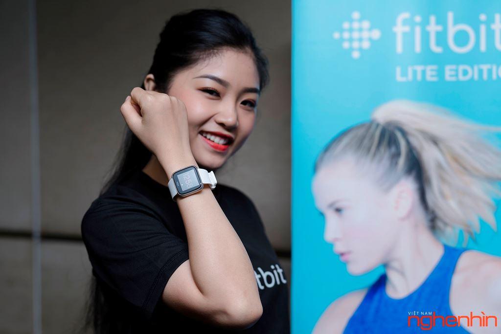 Fitbit ra mắt Versa Lite Edition tại Việt Nam giá 4,29 triệu đồng ảnh 2