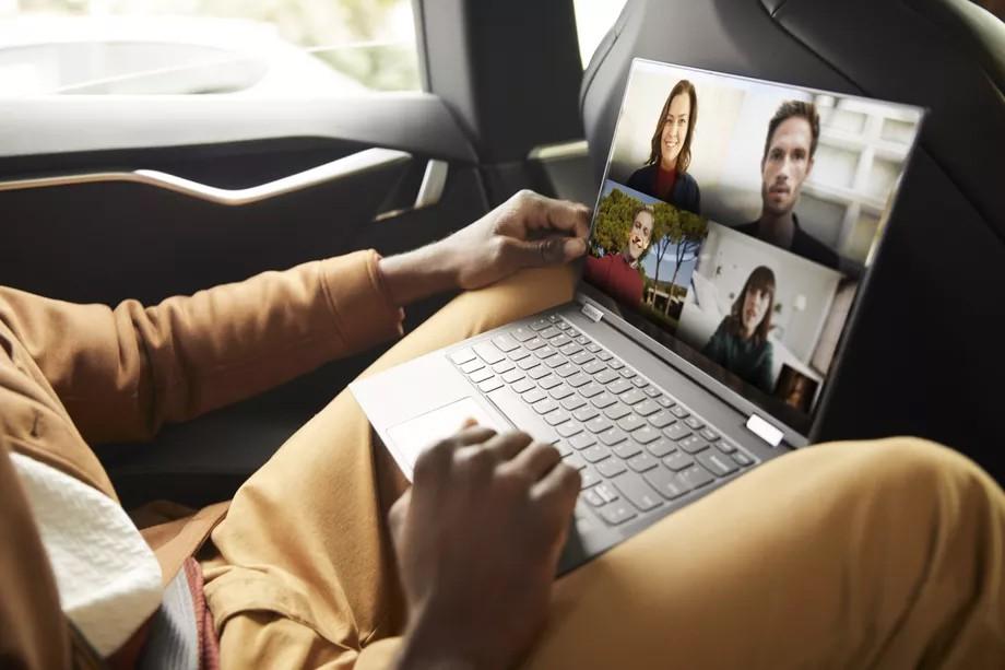 Lenovo trình làng Flex 5G - máy tính xách tay 5G đầu tiên trên thế giới giá 1400 USD ảnh 3