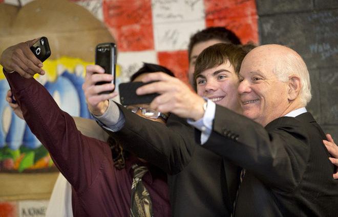 Những bức ảnh selfie bất chấp cho chúng ta thấy mạng xã hội đã chi phối và thao túng chúng ta như thế nào - Ảnh 18.