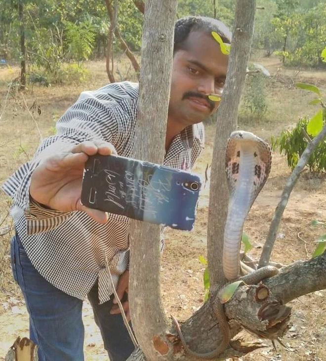 Những bức ảnh selfie bất chấp cho chúng ta thấy mạng xã hội đã chi phối và thao túng chúng ta như thế nào - Ảnh 4.
