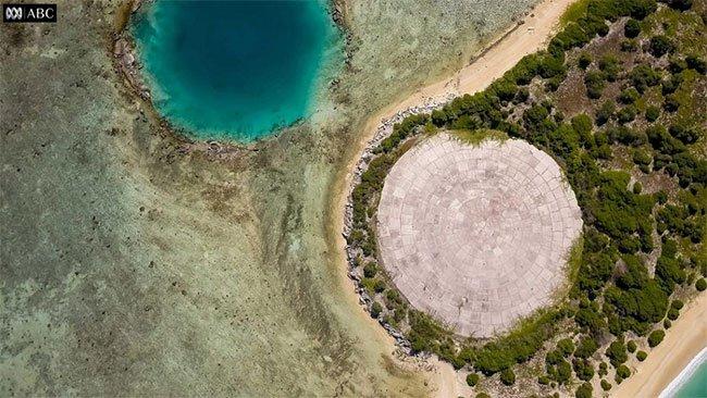 Vòm chứa chất thải hạt nhân trên đảo Runit ở quần đảo Marshall.