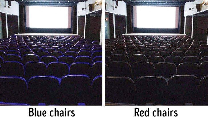 Ghế trong rạp không tự nhiên có màu đỏ