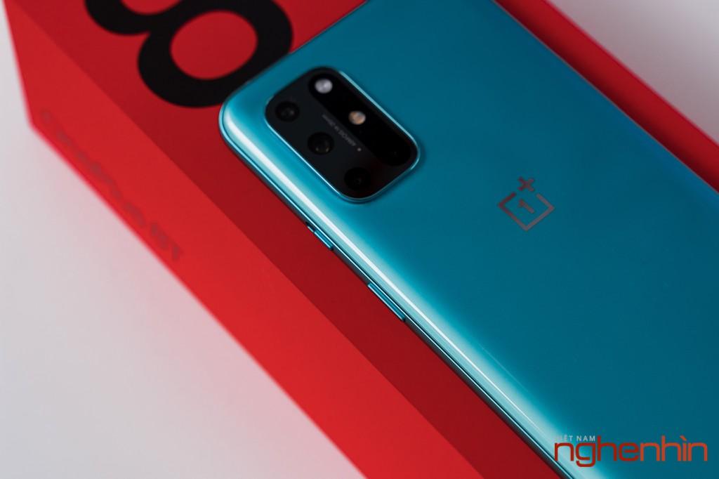 Mở hộp OnePlus 8T 5G: Thiết kế đổi màu, màn hình 120Hz, sạc nhanh 65W, quà 3 triệu ảnh 14