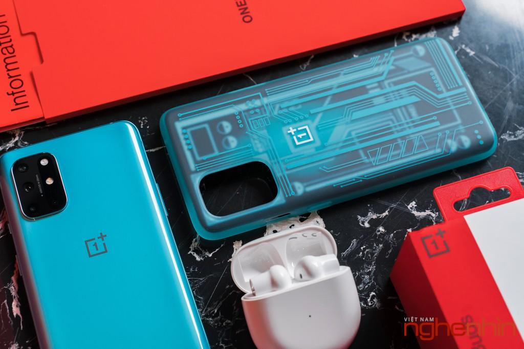 Mở hộp OnePlus 8T 5G: Thiết kế đổi màu, màn hình 120Hz, sạc nhanh 65W, quà 3 triệu ảnh 4