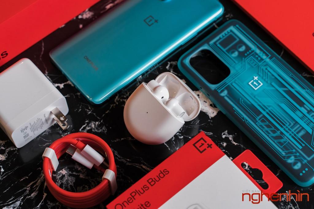 Mở hộp OnePlus 8T 5G: Thiết kế đổi màu, màn hình 120Hz, sạc nhanh 65W, quà 3 triệu ảnh 6