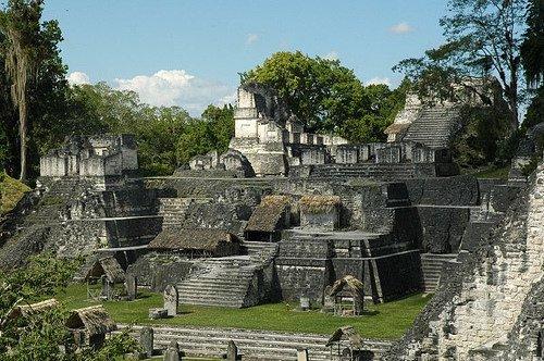 Không chuyên gia nào thực sự chắc chắn về nguyên nhân sụy đổ của nền văn minh Maya.