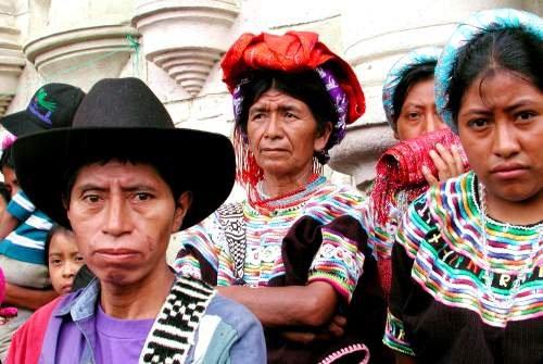 Dù nền văn minh này đã suy tàn, nhưng hiện nay còn khoảng 7 triệu người Maya đang sinh sống trên trên khu vực bản địa của ông cha và gìn giữ được nhiều di sản của văn hóa cổ.