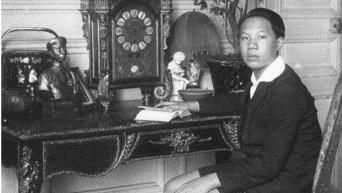 Chan dung Nam Phuong hoang hau, Einstein duoc lam net nho Remini hinh anh 10