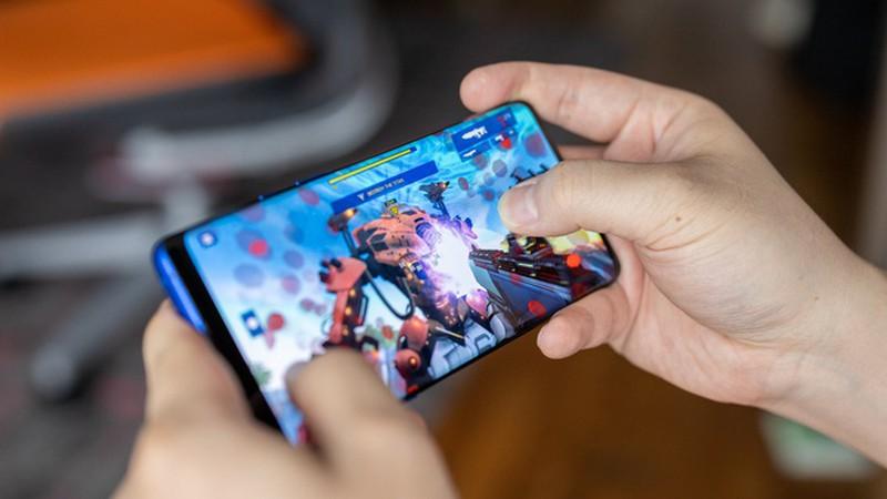 nhung smartphone cuc dang de mua khi choi game