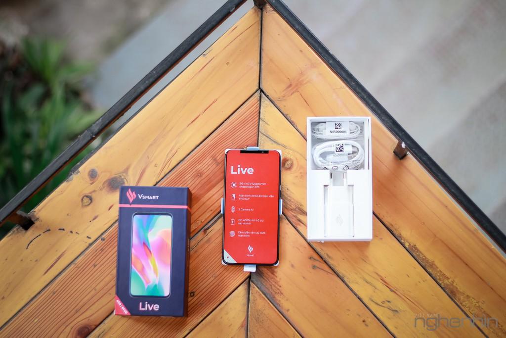 Vsmart Lux cần nhiều công nghệ đỉnh khác ngoài camera ẩn dưới màn hình để tiến vào phần khúc cao cấp  ảnh 2