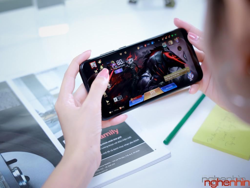Vsmart Lux cần nhiều công nghệ đỉnh khác ngoài camera ẩn dưới màn hình để tiến vào phần khúc cao cấp  ảnh 3