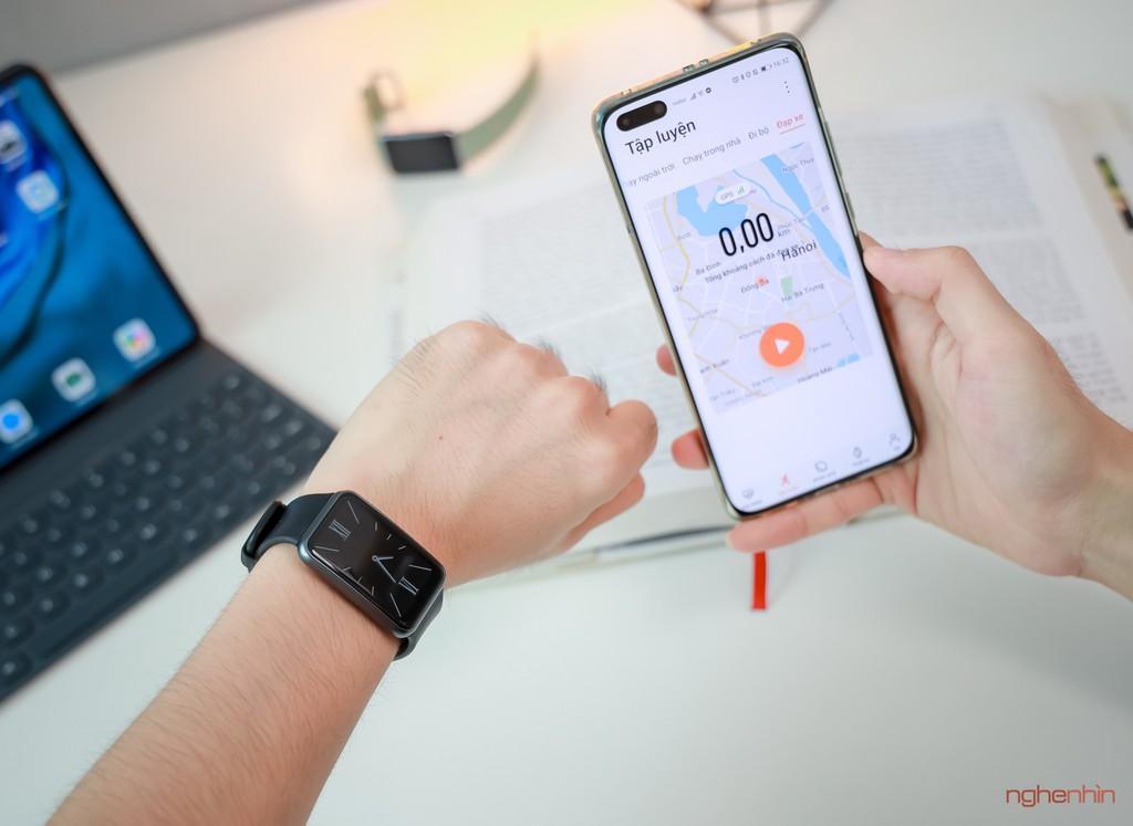 Trên tay Watch Fit đồng hồ thông minh thể thao đầu tiên của Huawei giá 3,3 triệu  ảnh 1