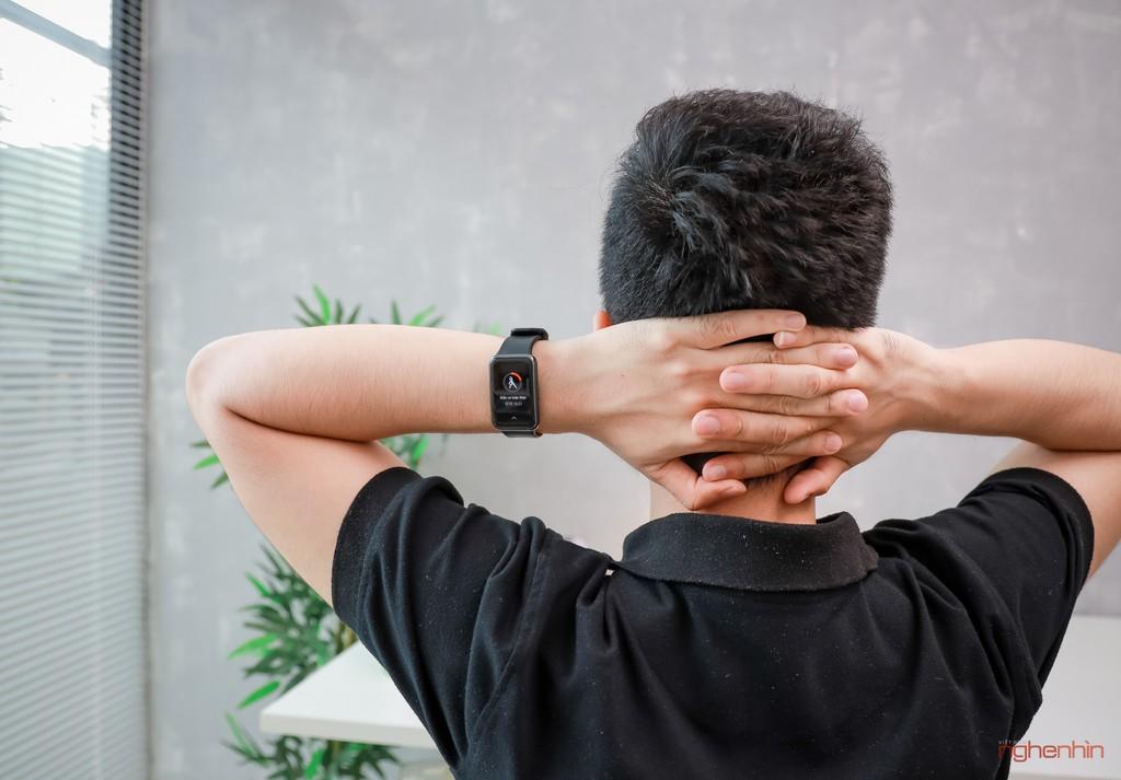 Trên tay Watch Fit đồng hồ thông minh thể thao đầu tiên của Huawei giá 3,3 triệu  ảnh 8