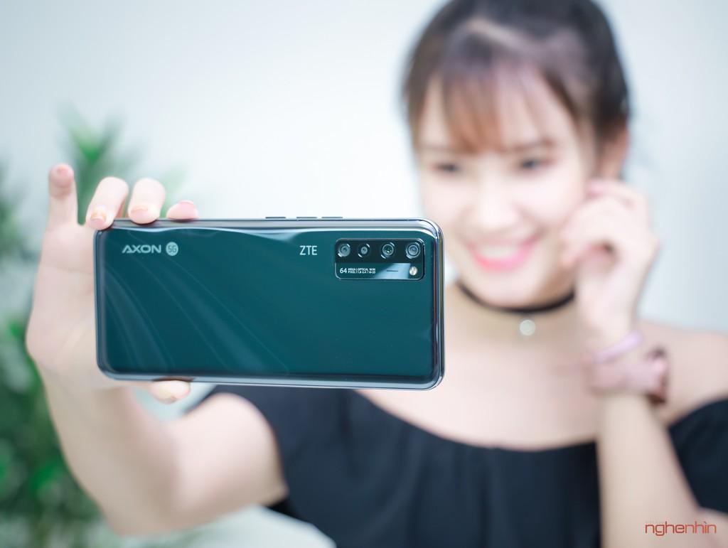 Trên tay ZTE Axon 20 5G tại Việt Nam: camera ẩn dưới màn hình, giá xách tay tầm 8 triệu ảnh 2