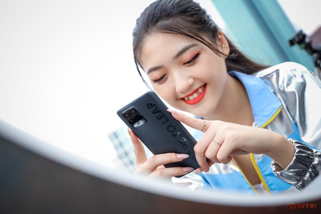Trên tay realme 8 Pro tại Việt Nam: thiết kế trẻ trung, camera 108MP, nhiều chế độ độc đáo  ảnh 5