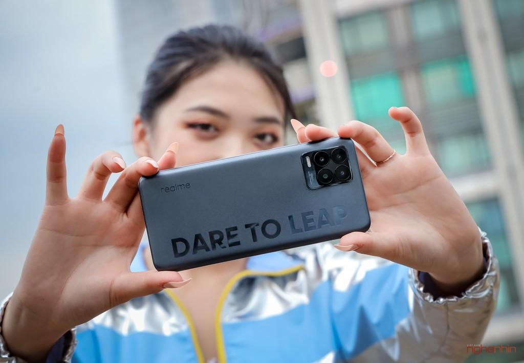 Trên tay realme 8 Pro tại Việt Nam: thiết kế trẻ trung, camera 108MP, nhiều chế độ độc đáo  ảnh 6