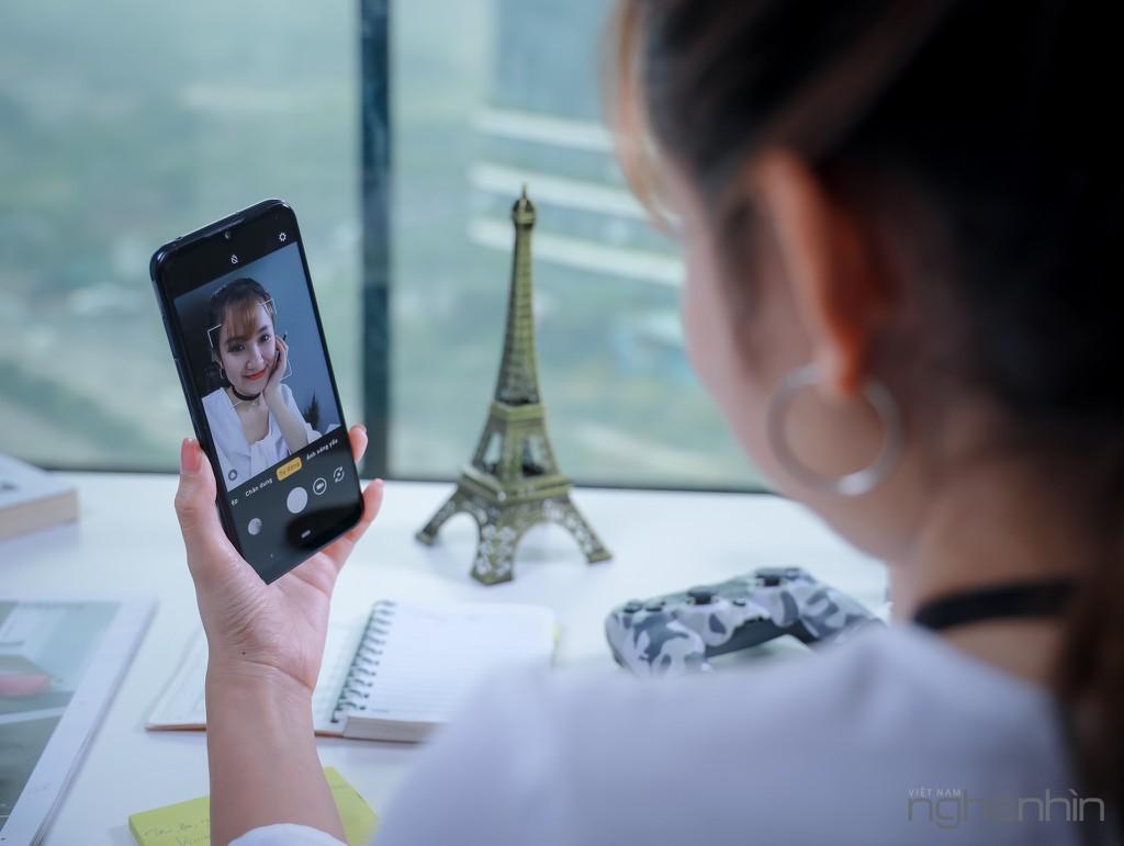 Nếu giá và cấu hình như đồ ngoại, bạn có mua smartphone Việt hay không?  ảnh 1