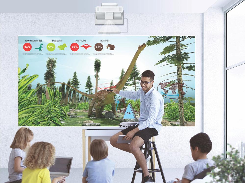 Epson ra mắt máy chiếu tương tác siêu gần hoàn toàn mới