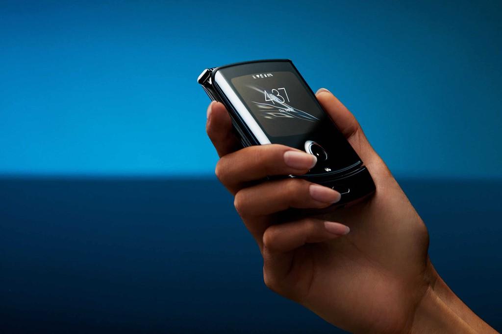 Motorola Razr 2: Pin lớn hơn, sạc nhanh hơn, camera xịn hơn, giá không đổi ảnh 1