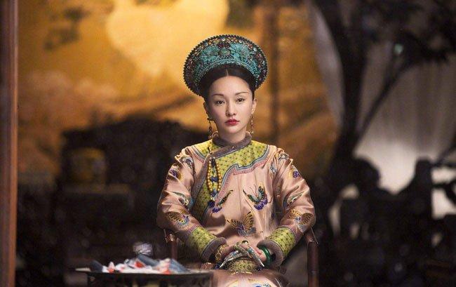 Kế Hoàng hậu Ô Lạt Na Lạp thị trong phim Hậu cung Như Ý truyện.