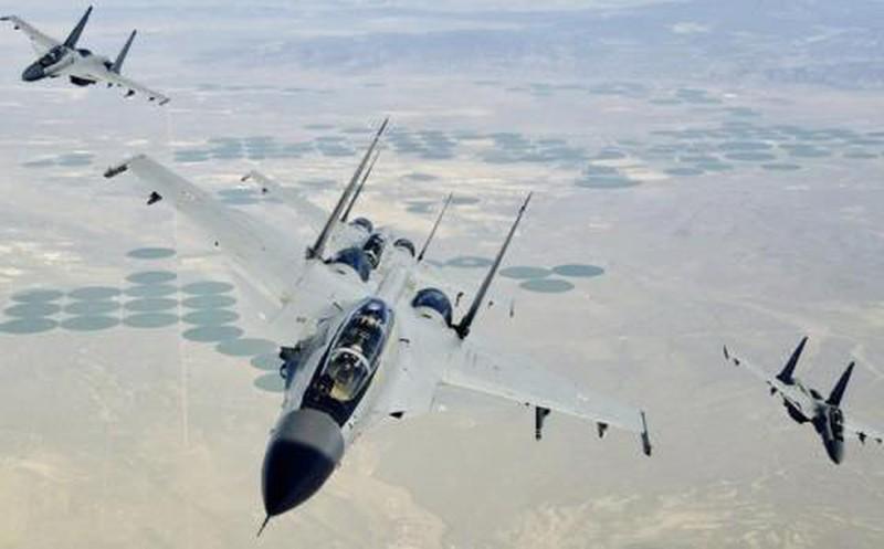 Co them thu nay, Su-30MKI co the san duoc ca F-22, J-20... tang hinh