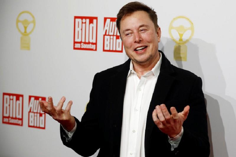 Elon Musk xay nha may san xuat xe dien ngay tai Duc