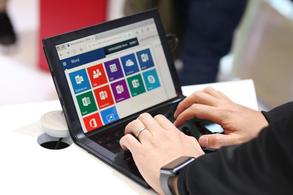 Lenovo ThinkPad X1: laptop màn hình gập đầu tiên trên thế giới được trưng bày ảnh 3