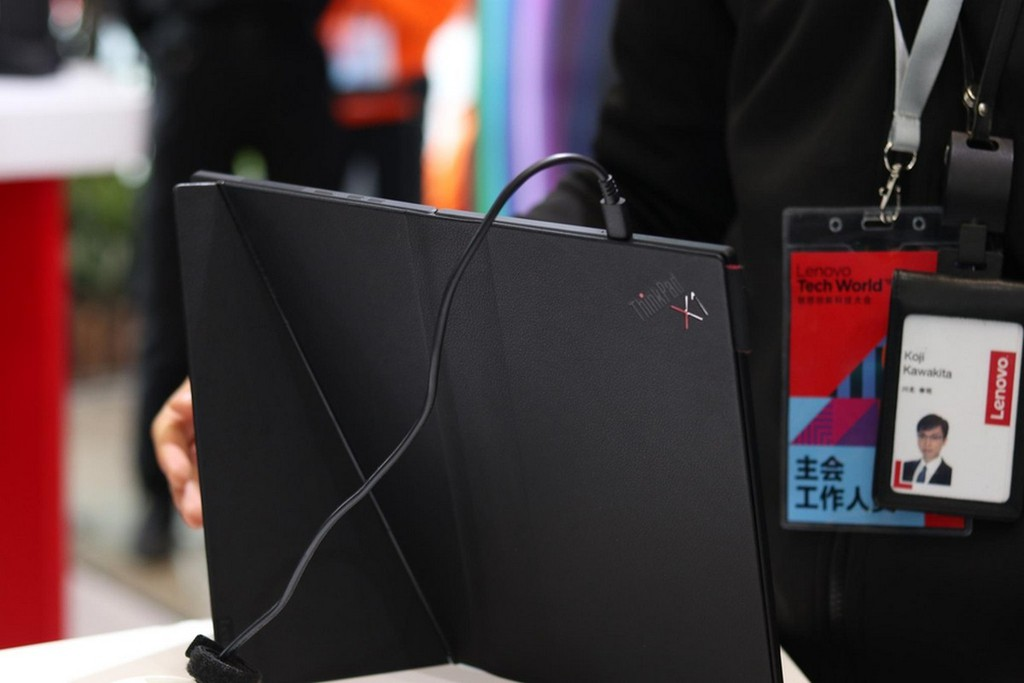 Lenovo ThinkPad X1: laptop màn hình gập đầu tiên trên thế giới được trưng bày ảnh 6