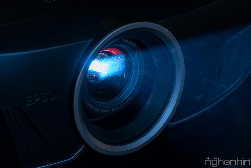 Máy chiếu laser 3LCD EPSON EF-100 nhỏ nhất thế giới ra mắt thị trường Việt giá từ 25 triệu ảnh 16