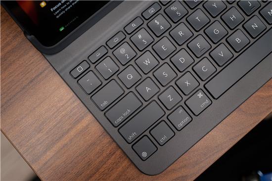 SLIM FOLIO PRO: Bàn phím không dây tốt nhất cho iPad Pro