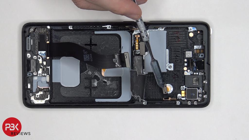 Mổ bụng Galaxy S21 Ultra, khó thay pin và màn hình ảnh 1