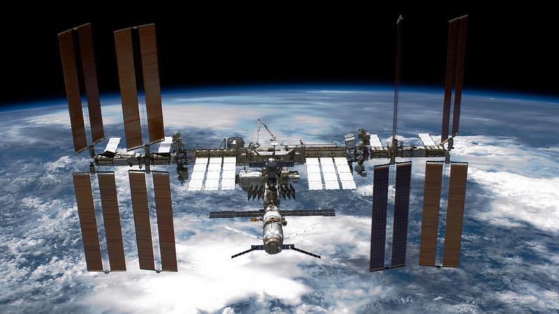 Nga se rut khoi ISS, lap tram khong gian moi thay the